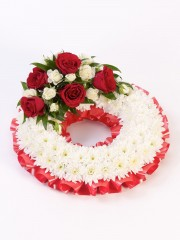 Traditional Wreath - Red & White